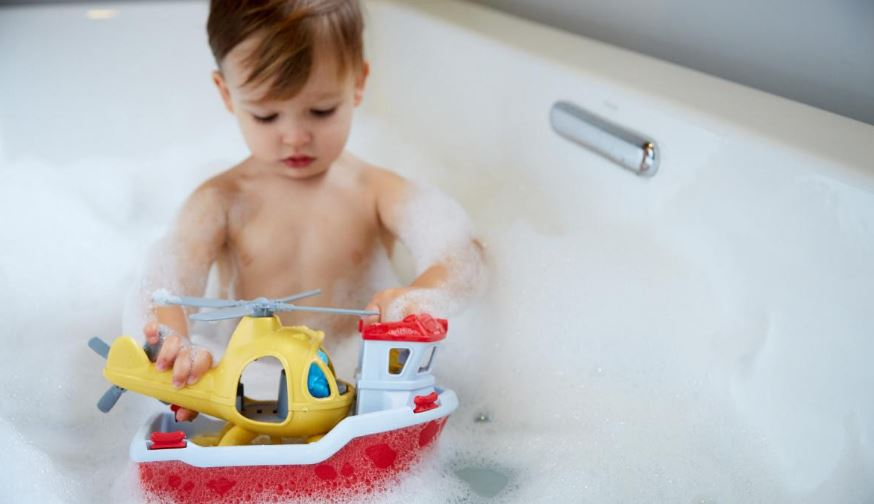 Green Toys Rescue Boat with Helicopter Top Popular Selling Baby Bath Toys 2019