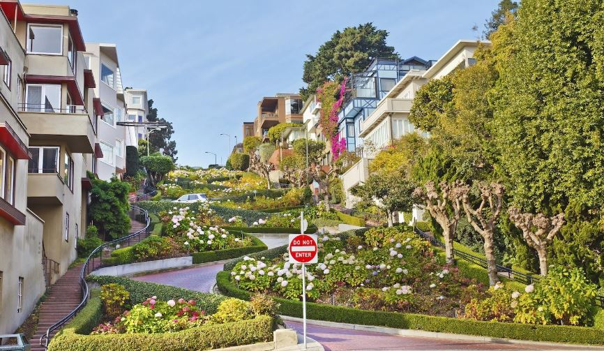 Lombard Street Top 10 Tourist Attractions in San Francisco