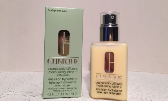 Clinique Dramatically Different Moisturizing Lotion+ Top Best Selling Clinique Makeup & Skincare Products in 2017