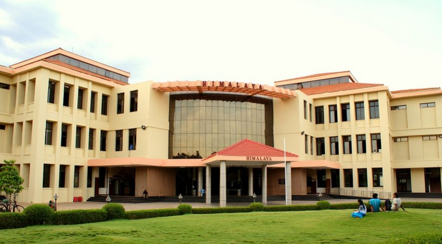 Indian Institute of Technology, Madras Top 10 Engineering Colleges in India 2017